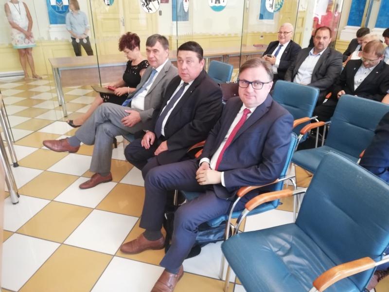 Konferencja w Starostwie Powiatowym w Gliwicach dotycząca szpitali powiatowych województwa śląskiego
